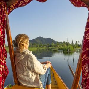 Experience a Shikhara ride in Srinagar